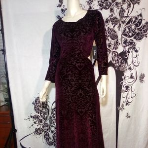 L/S MAXI DRESS W/VELVET FLOCKING